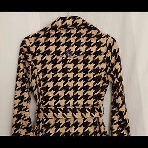 Vertigo Paris Jackets & Coats - Vertigo Paris XS Short Trench Raincoat